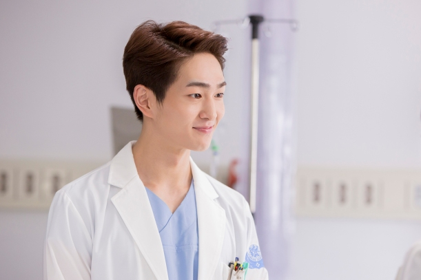 shinee-onew-descendants-of-the-sun